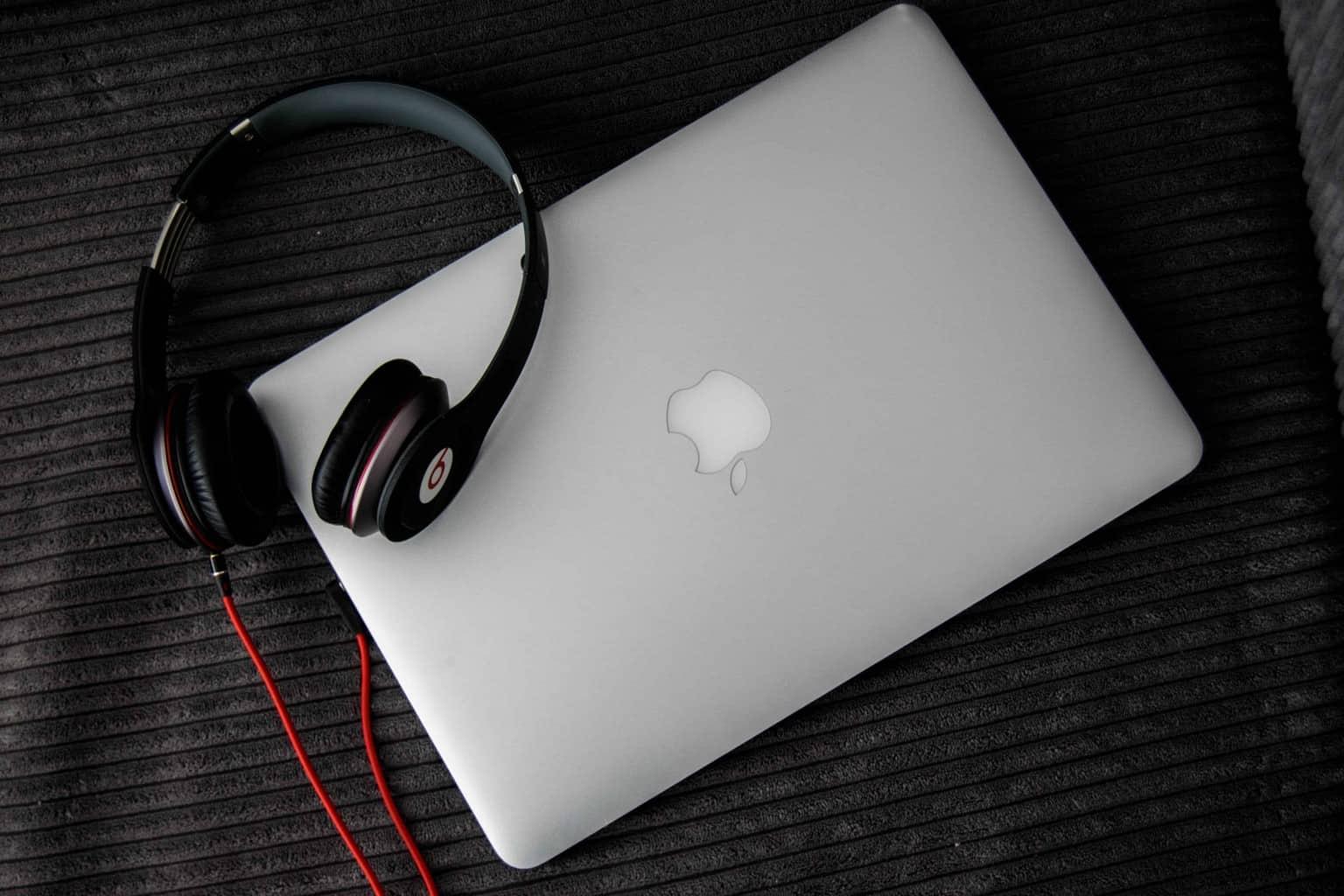 Có nên mua tai nghe kiểm âm để nghe nhạc